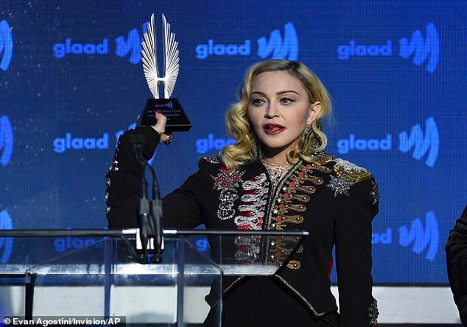 მადონას ემოციური გამოსვლა GLAAD Award-ში